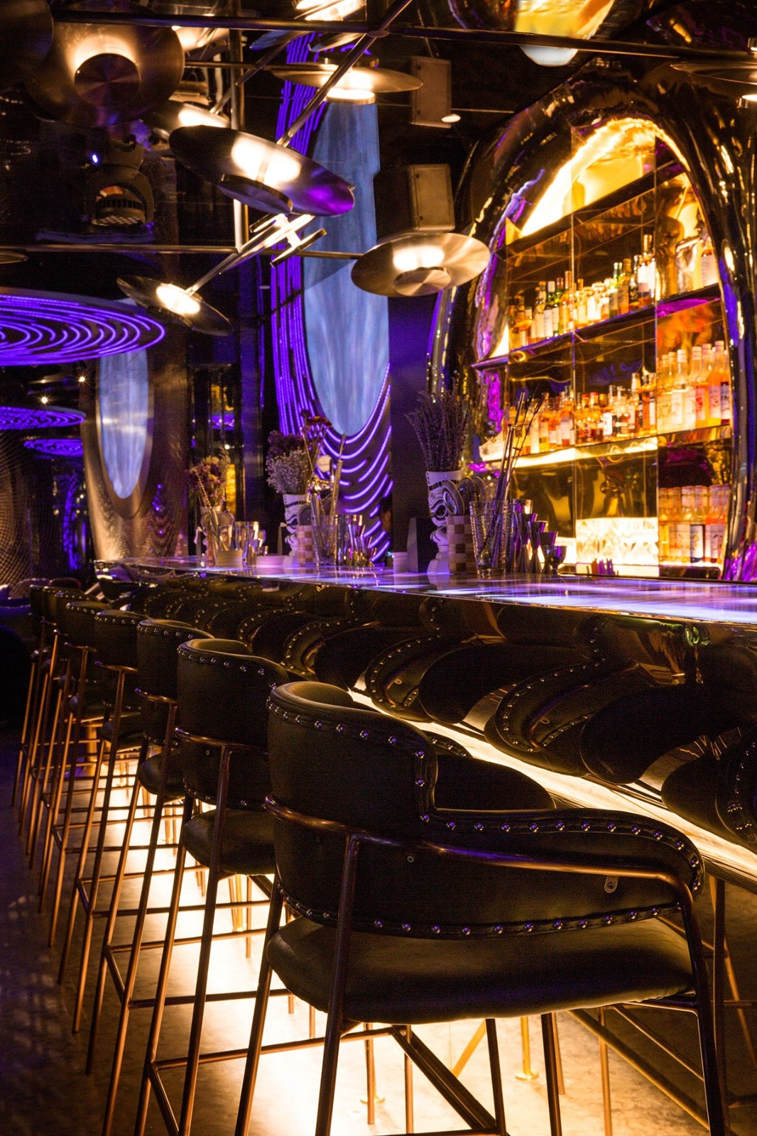 广州夜店新地标-太空主题星舰酒吧