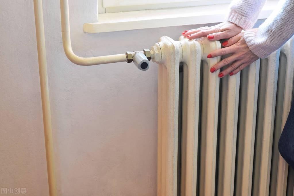 暖气片摸着烫手但室内温度不高 可能是保温没做好