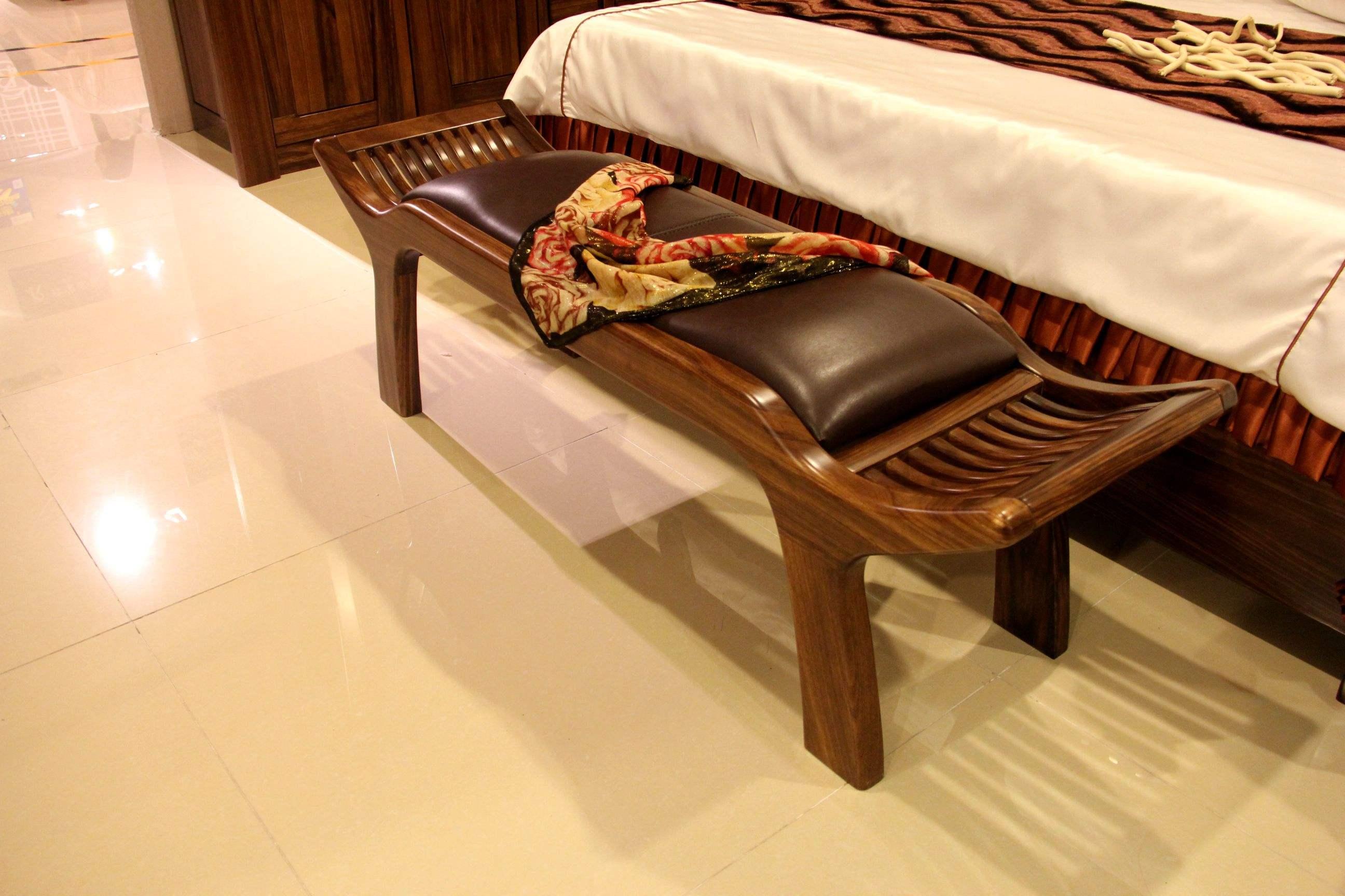 卧室床尾凳有什么用 营业员说不清我决定亲自试试