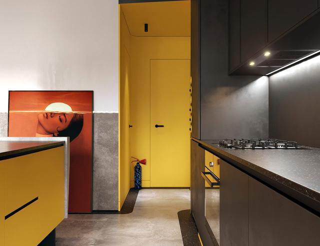 暗色系家居空间,创意的室内设计为内饰带来个性与活力
