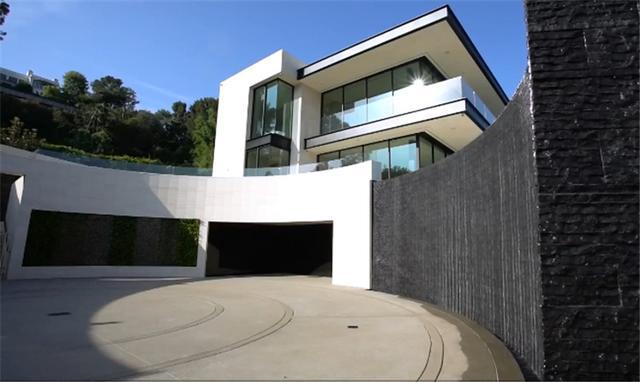10个亿的豪宅你见过吗 感觉有点冷冰冰