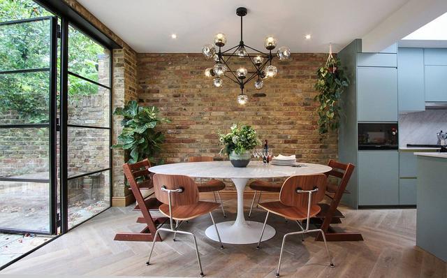 华丽的大理石顶级餐桌:爱上抛光的餐桌饰面