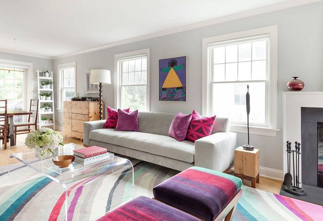 多种颜色的靠垫枕头 改变客厅趋势