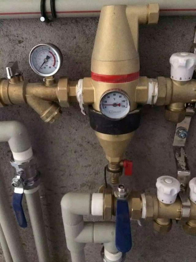 暖气分支管上的排气阀漏水怎么办