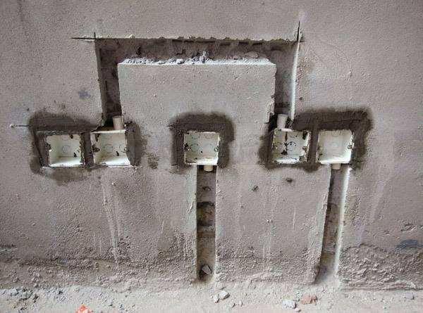 装修时墙面能不能开槽和打孔