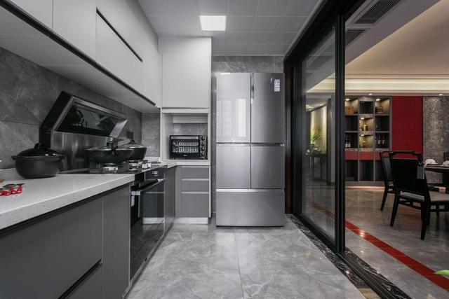 厨房门如何设计 这5种做法既上档次又省空间