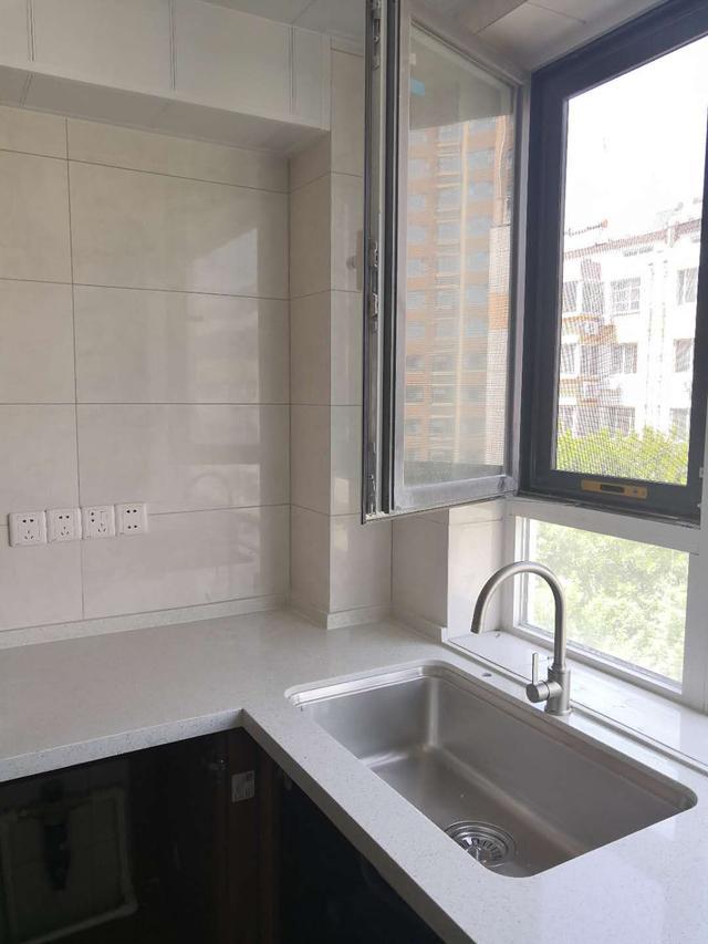 厨房水槽台上盆和台下盆哪个耐用 哪个使用中占比高