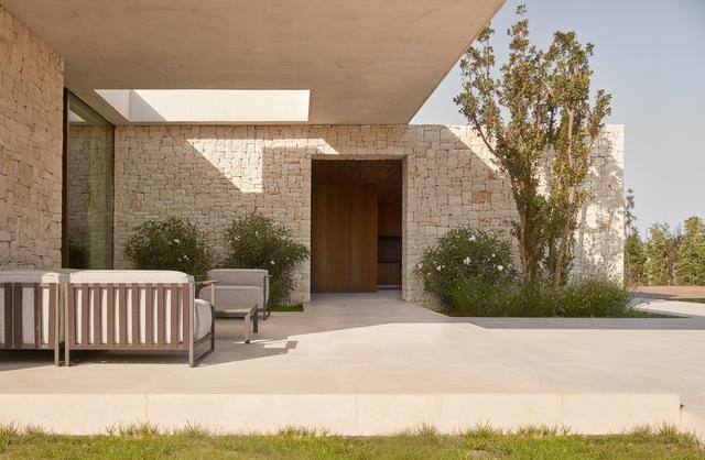别墅带庭院带游泳池的效果图