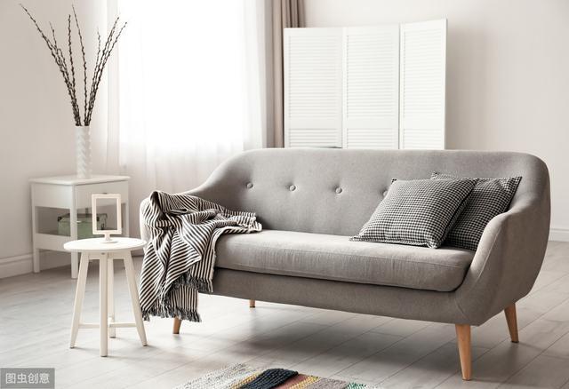 选布艺沙发还是真皮沙发好 对比一下再做选择更好