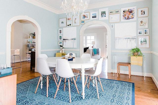 家里的餐厅单调乏味?华丽的餐厅墙壁创意打造的别致空间