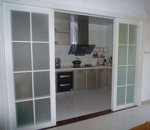 厨房装推拉门已经过时了 现在流行装这三种门