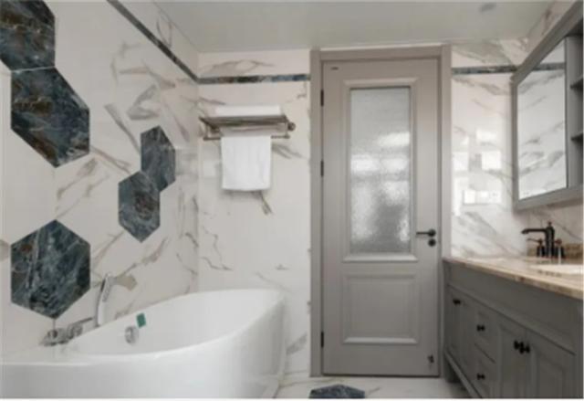一进门对着卫生间怎么化解