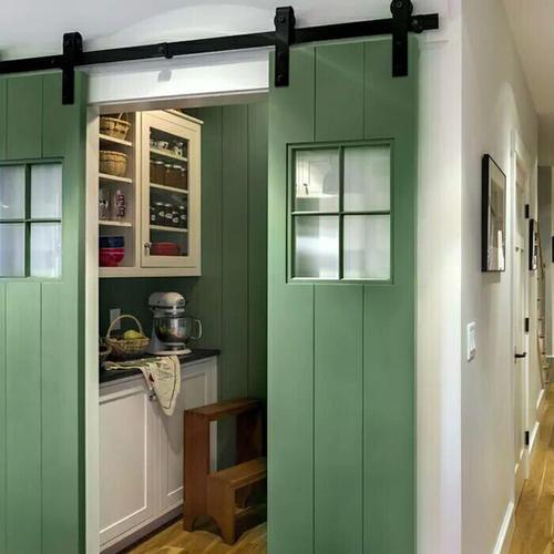厨房装修选门别跟风 选择吊轨还是地轨
