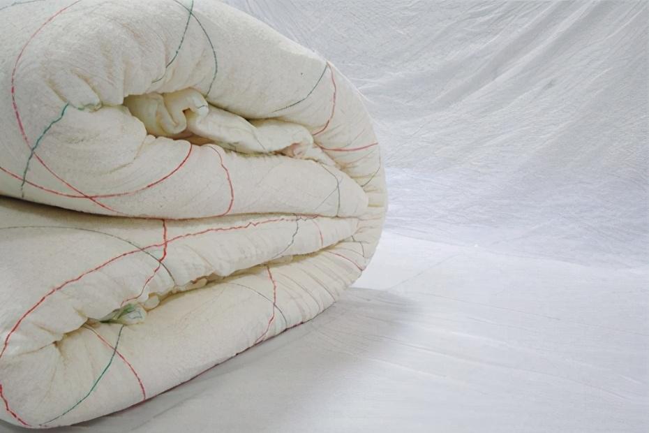 新房买蚕丝被和棉被 冬天盖哪个厚实