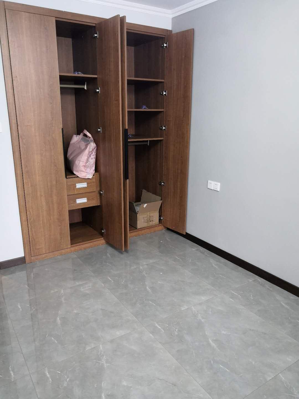 定制衣柜选用哪种板材好 设计师给出4大理由推荐颗粒板