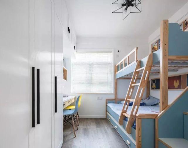 小卧室不要再买床了!聪明人都这样设计,不仅省钱还实用不占空间