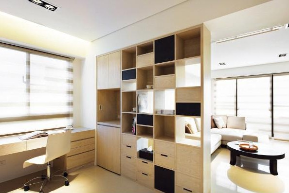 书房装修 书房设计讲究多       书房布置一般需保持相对的独立性,并