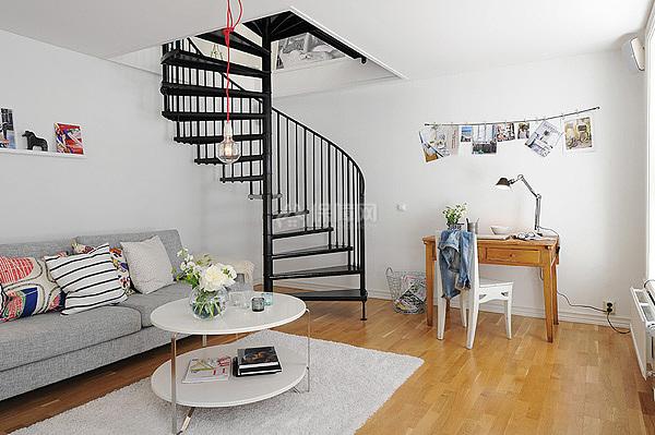 旋转楼梯小复式 北欧蓝白清新图片