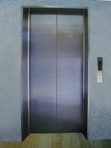 国家标准的电梯门尺寸