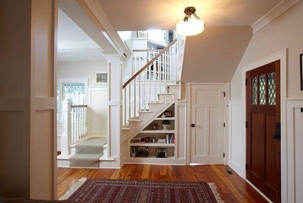 创意的楼梯空间是这样利用嘀_装修保障网
