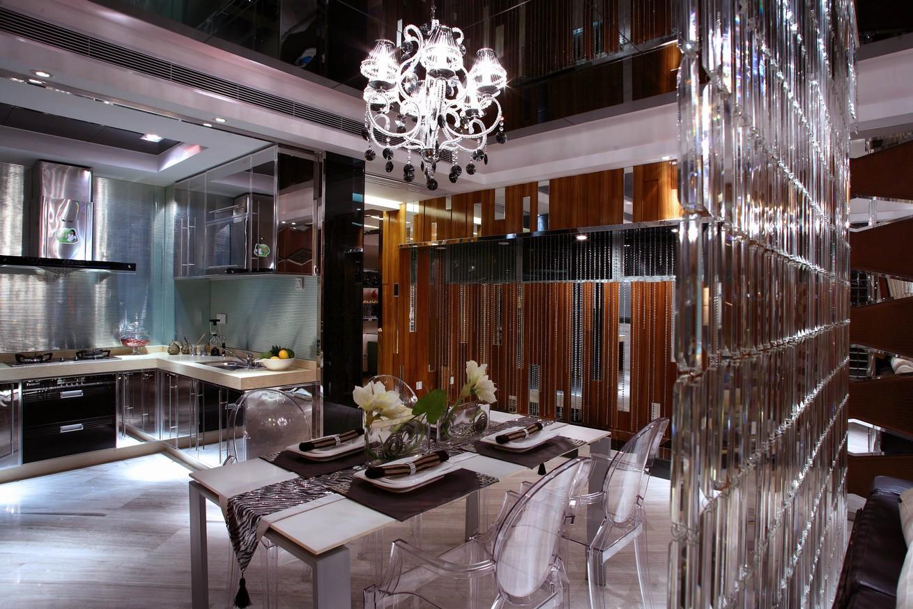 131平豪华欧式风格别墅餐厅厨房效果图