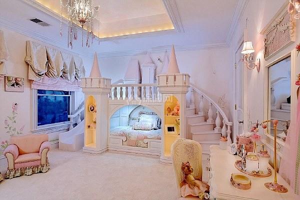 为满足孩子的公主梦 把家里装修成童话风格的宫殿