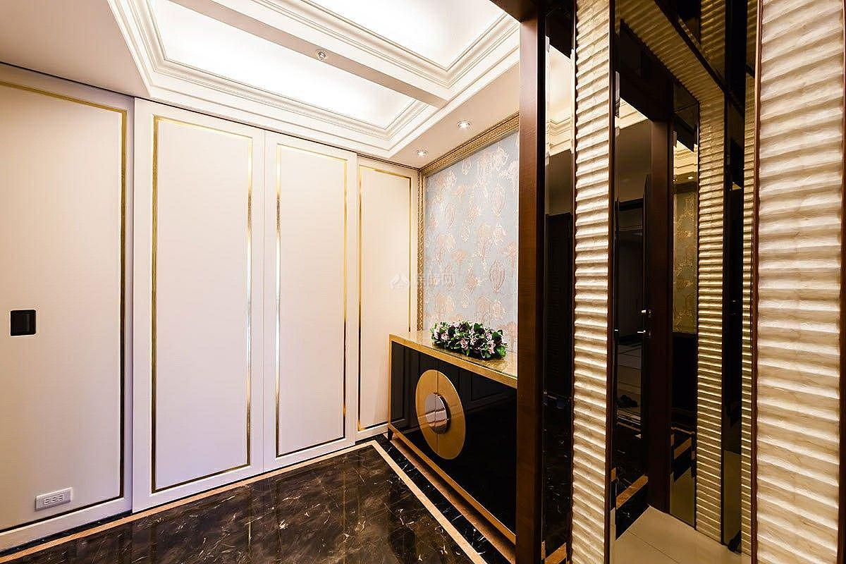 西式古典三居室玄关设计