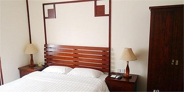 床头柜插座多高合适 床头柜一个插座够用吗