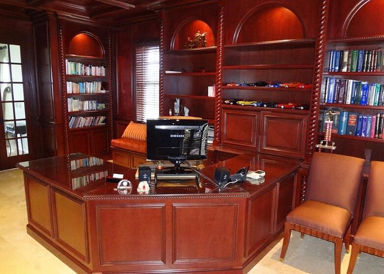 实木办公桌优点 实木办公桌价格