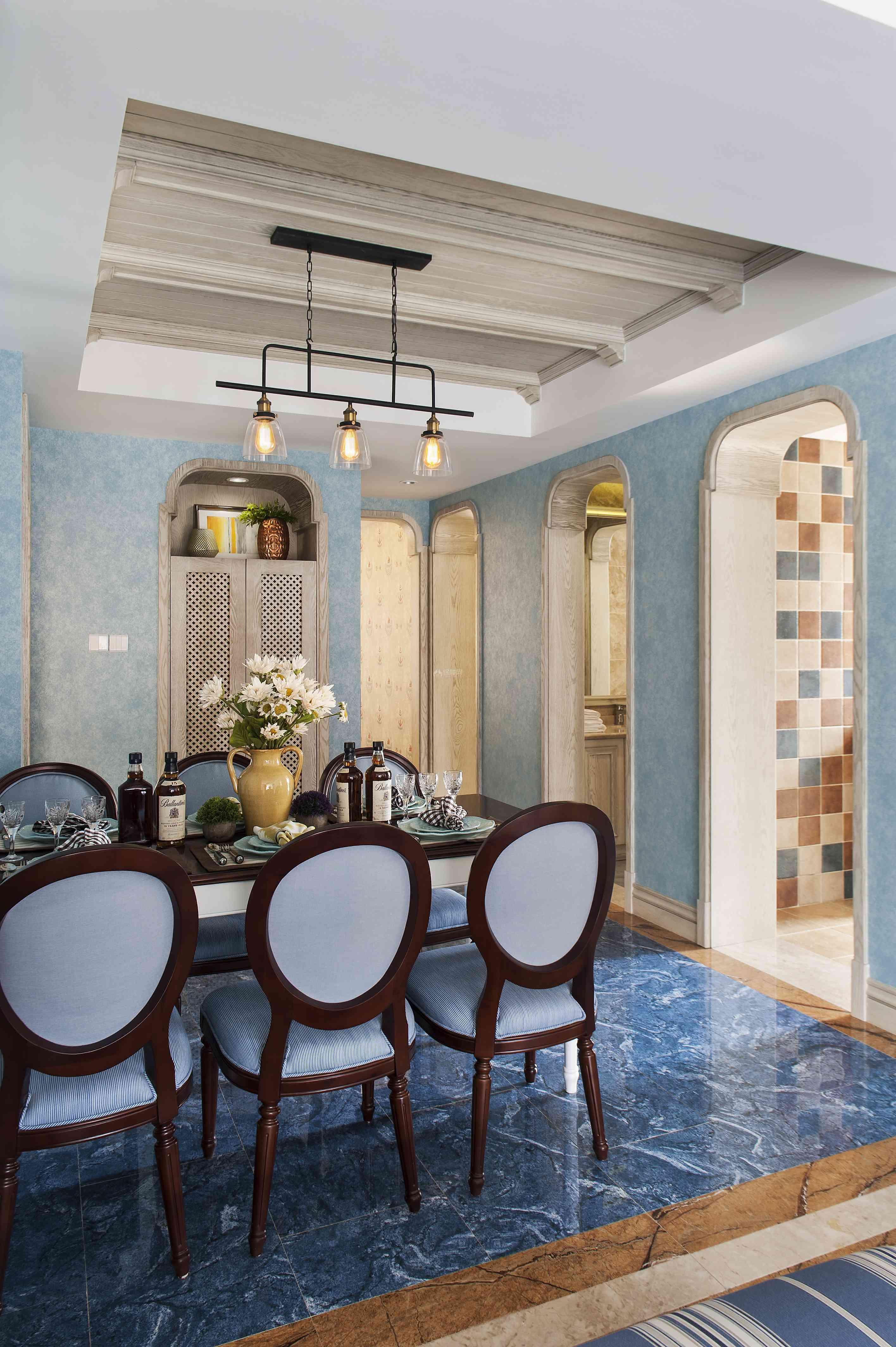 280平地中海别墅餐厅整体装修效果图