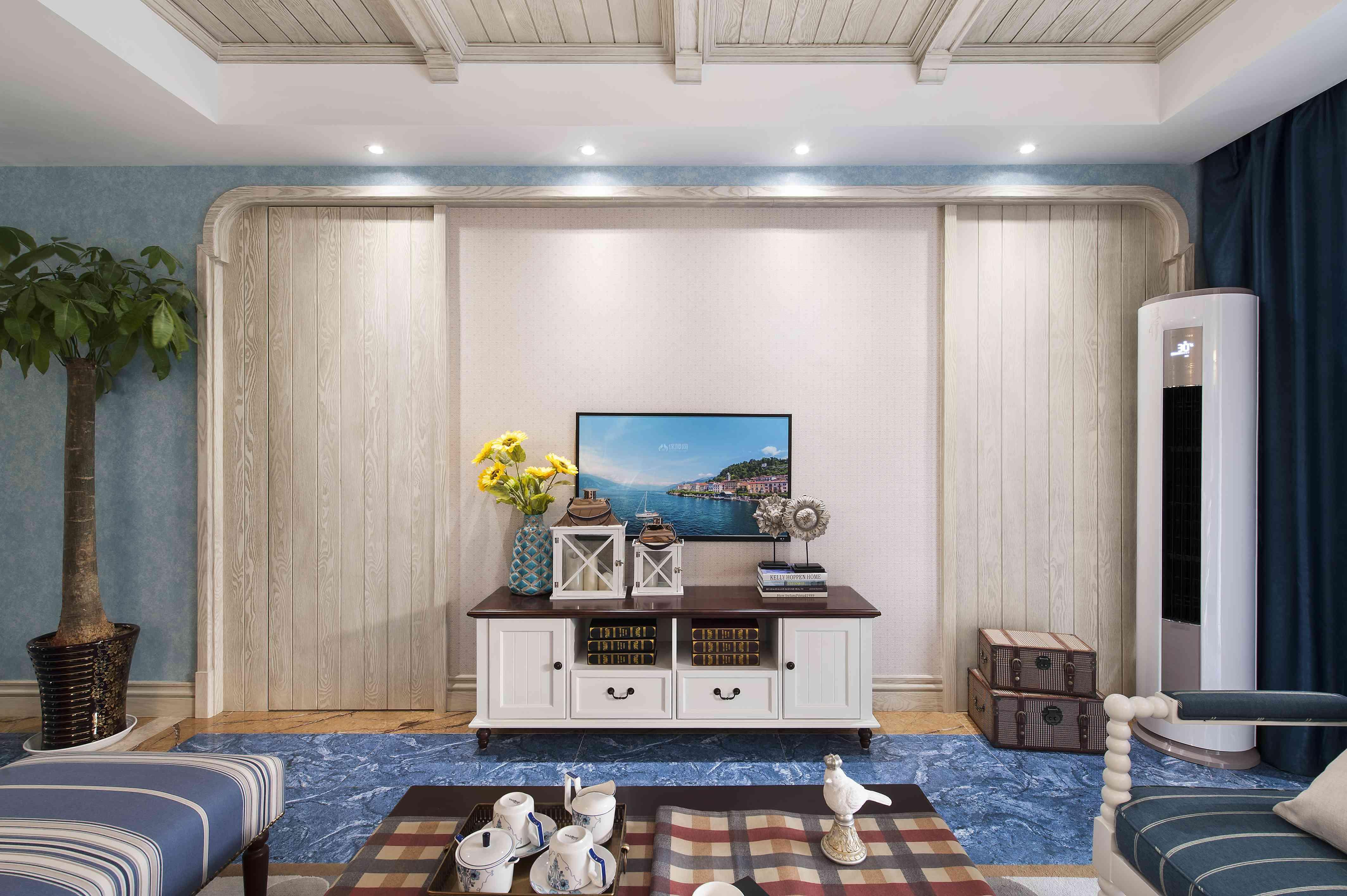 280平地中海别墅客厅电视墙设计效果图