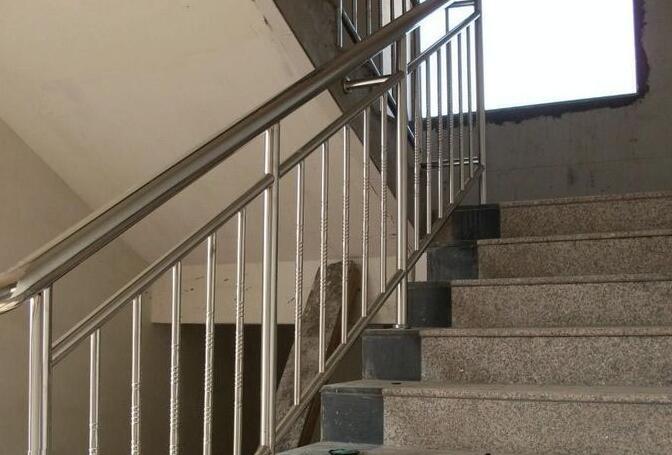 不锈钢楼梯栏杆价格_2017不锈钢楼梯扶手最新价格行情_装修保障网