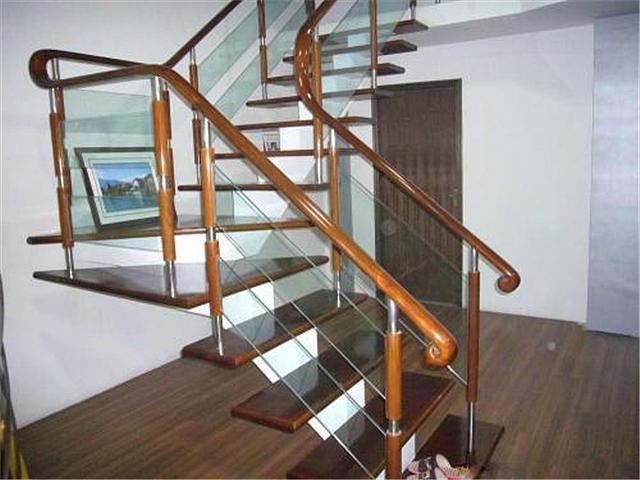 玻璃楼梯怎么安装 楼梯玻璃规格