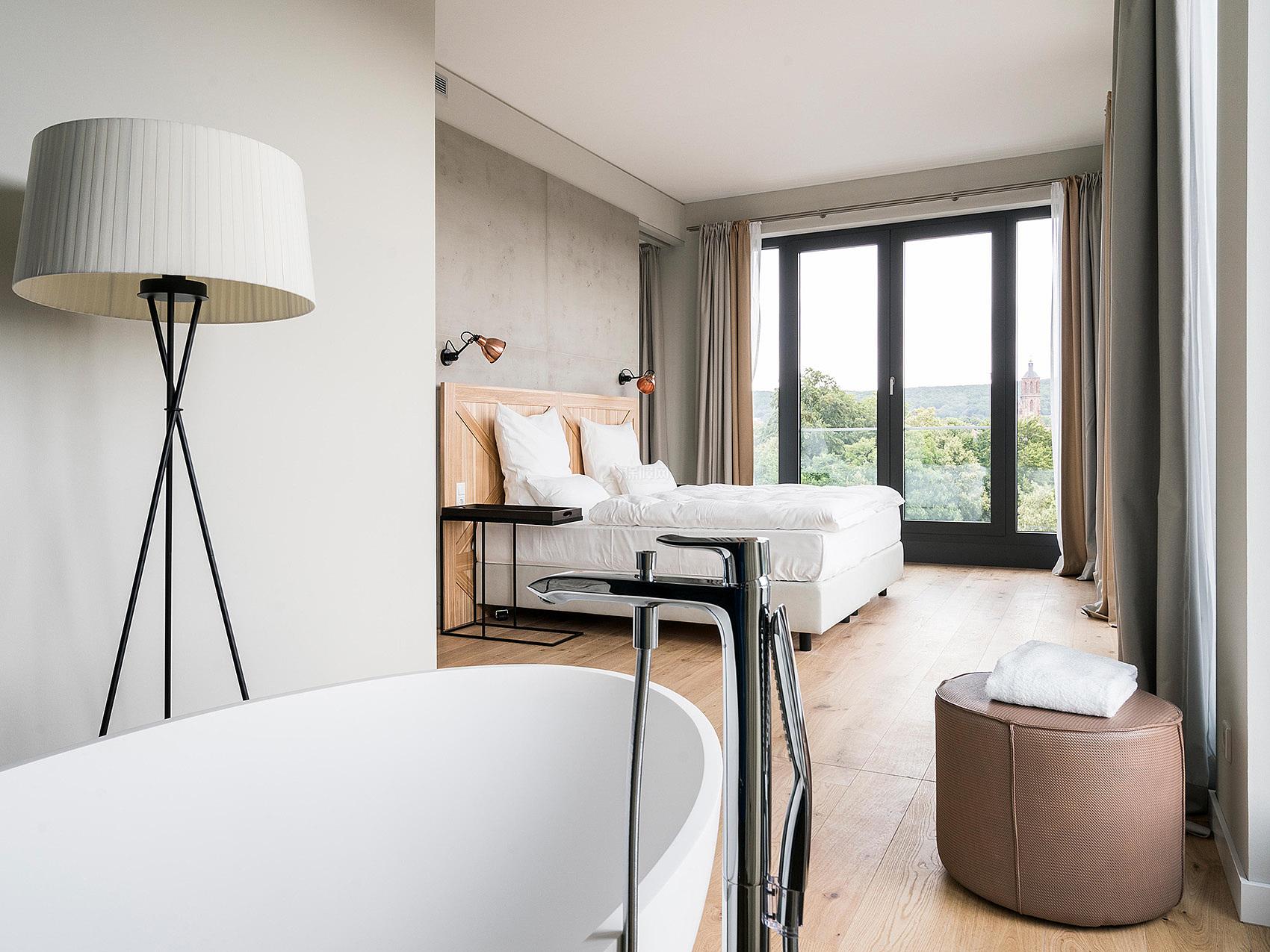 哥廷根Freigeist酒店之客房内浴缸设计效果图