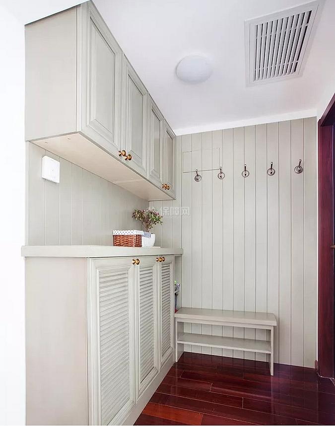 120㎡简美风复式之玄关柜设计效果图