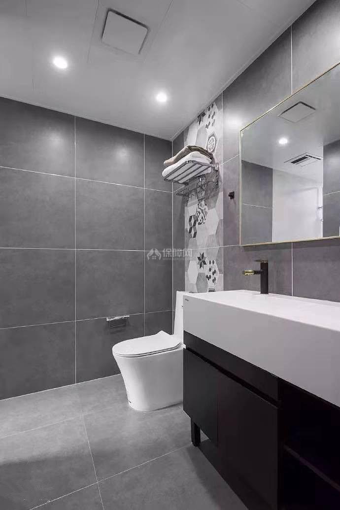 84㎡现代简约两居之卫生间装修效果图