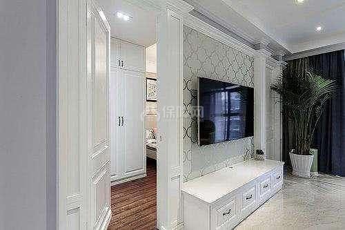 小户型实用又美观的厨房卧室隐形门设计