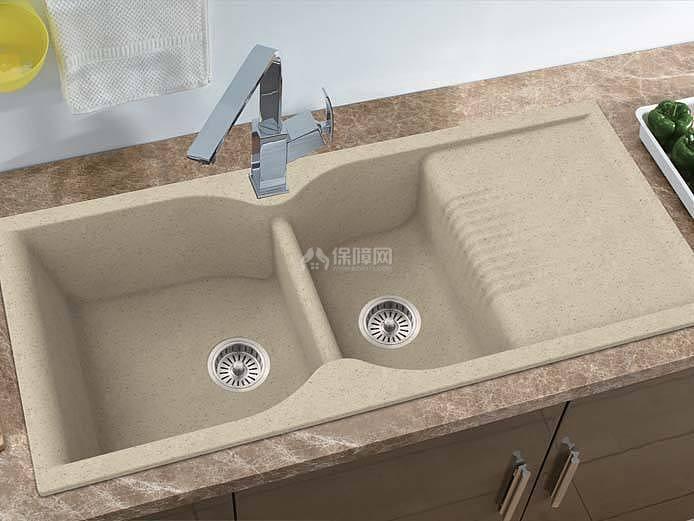 厨房水槽选择什么材质的好 当然是花岗岩水槽最好