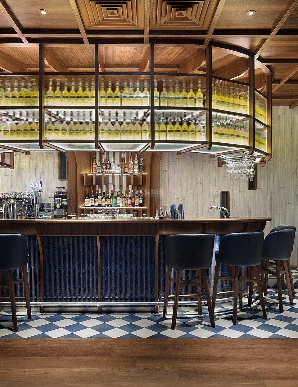 香港芬名酒店之餐厅吧台酒柜设计效果图
