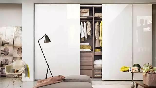 衣柜门哪种材质好?衣柜门怎么选择与保养?