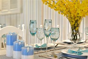 110㎡田园公寓之餐桌布置效果图