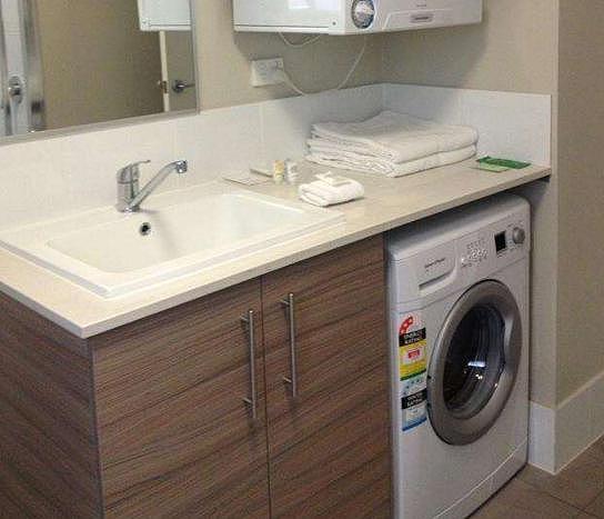洗衣机摆放在哪里才比较适合呢?这篇文章来给你讲解一下!