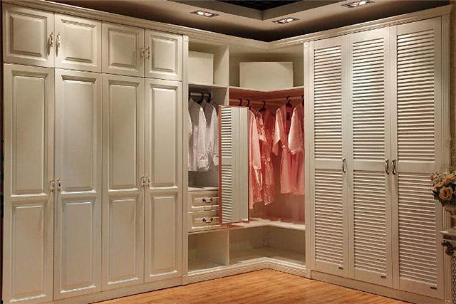 衣柜为什么不能和屋顶相接 衣柜做太高会怎么样