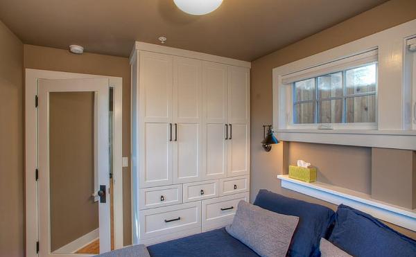 卧室装修哪种衣柜门比较好?木工师傅来告诉你如何选择