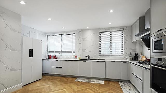 厨房窗户要不要装窗帘 厨房装什么窗帘好
