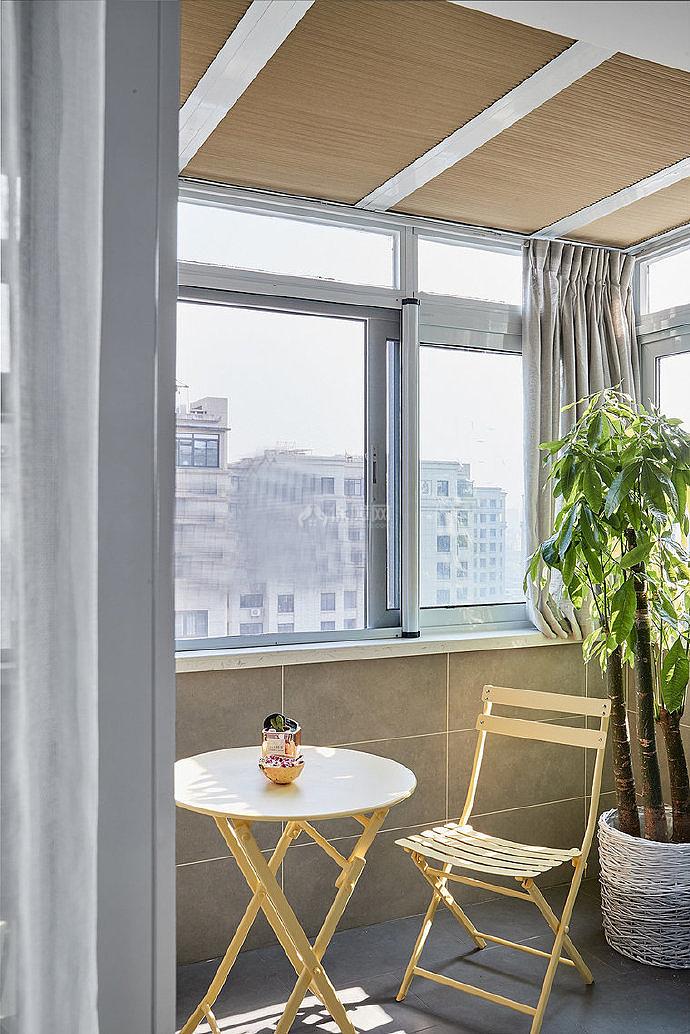 106㎡北欧两居之阳台装修布置效果图