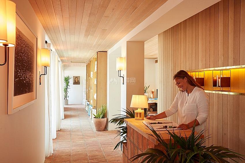 Hotel Joaquin 海滨酒店之餐厅服务台设计效果图