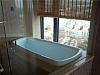 飘窗改造成浴缸 第一次见这么大胆的设计