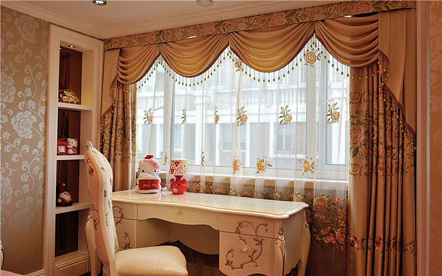 有经验的人都贴窗帘膜 只有你家还在挂窗帘