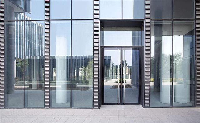 玻璃门怎么调高低 玻璃门太紧怎么调整